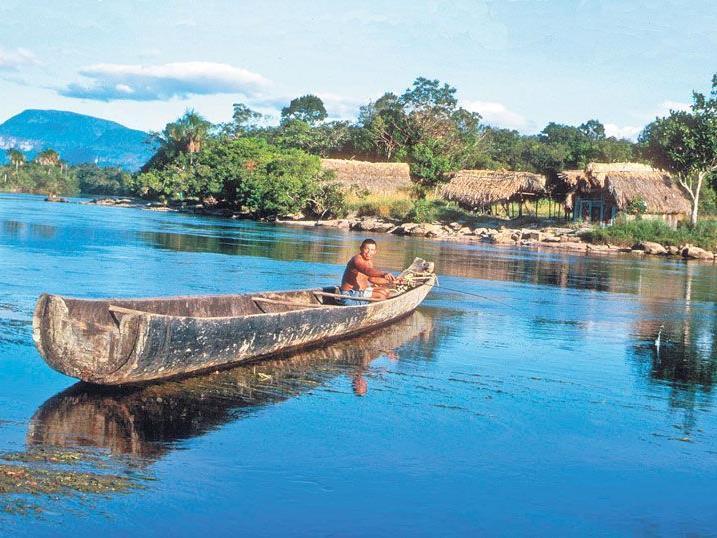 Mit dem Kanu auf dem Orinoco unterwegs