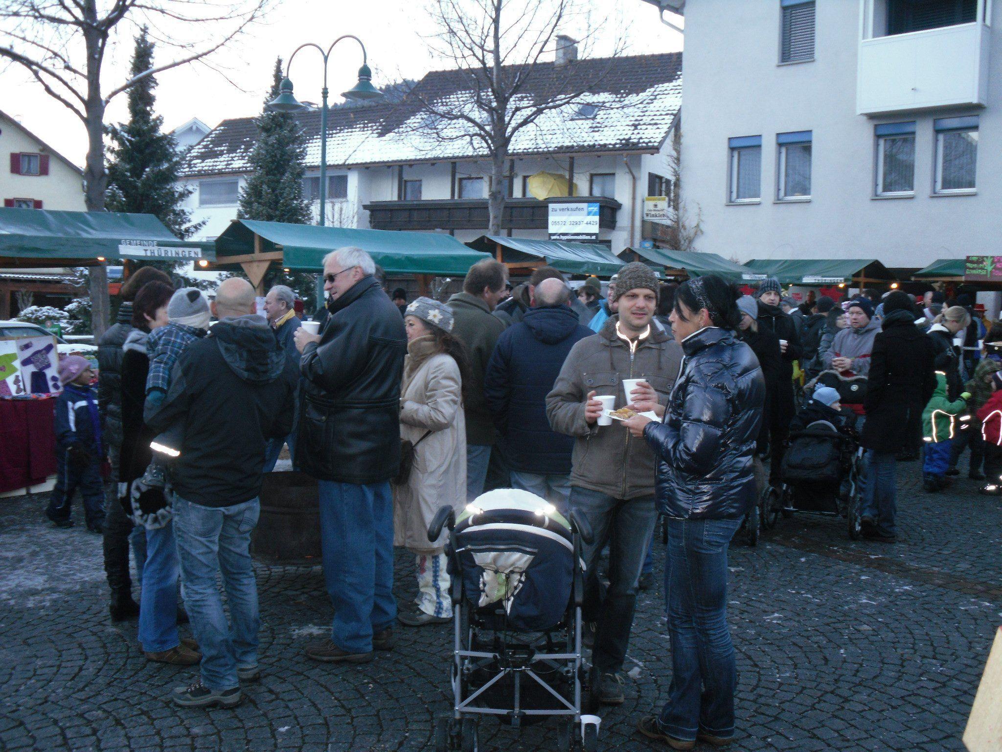 Weihnachtsmarkt am Dorfplatz