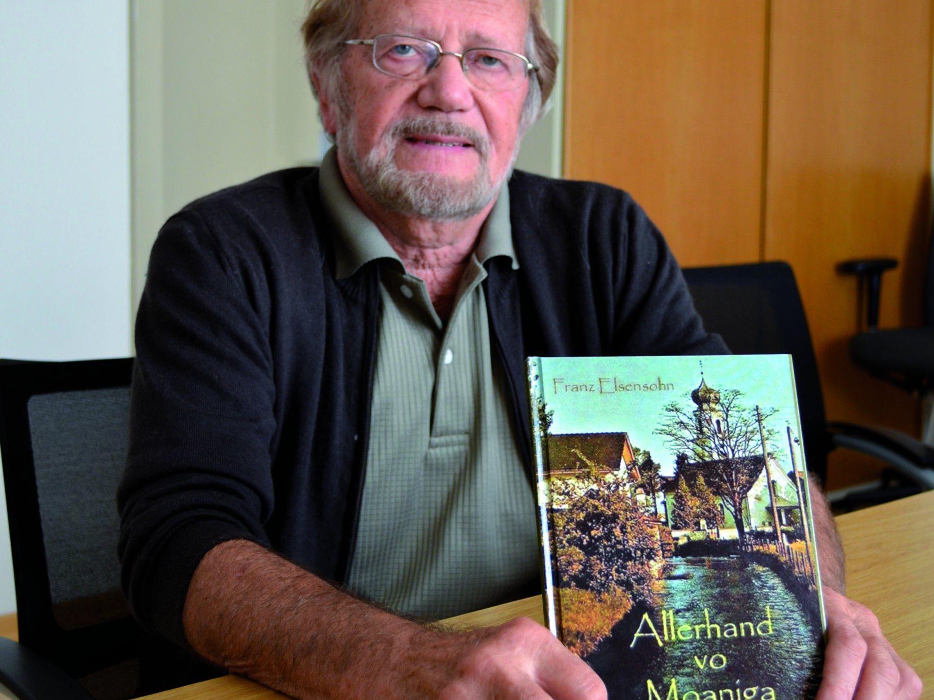 Franz Elsensohn stellt sein Buch über Meiningen vor.
