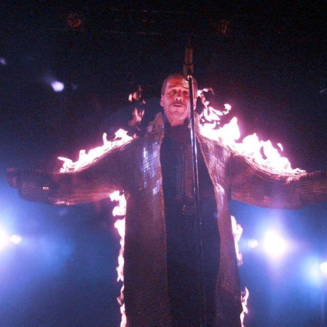 Feuer und Flamme ist Sänger Til Lindemann regelmäßig auf der Bühne.