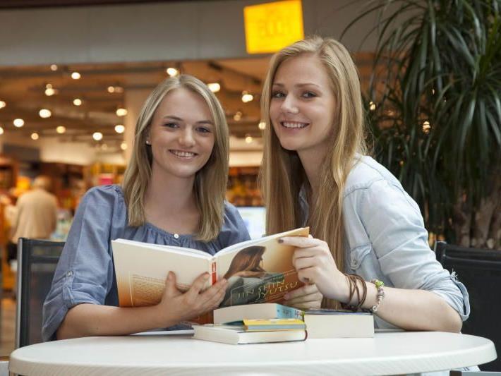 Vorarlbergs Buchhandel hofft auf ein gutes Weihnachtsgeschäft. Fast ein Drittel des Umsatzes macht die Branche in dieser Zeit.