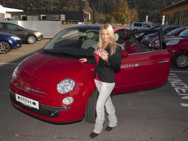 Diesen Fiat 500, zur Verfügung gestellt vom Autohaus Rohrer in Rankweil, kann man beim VN-Landespreisjassen gewinnen.