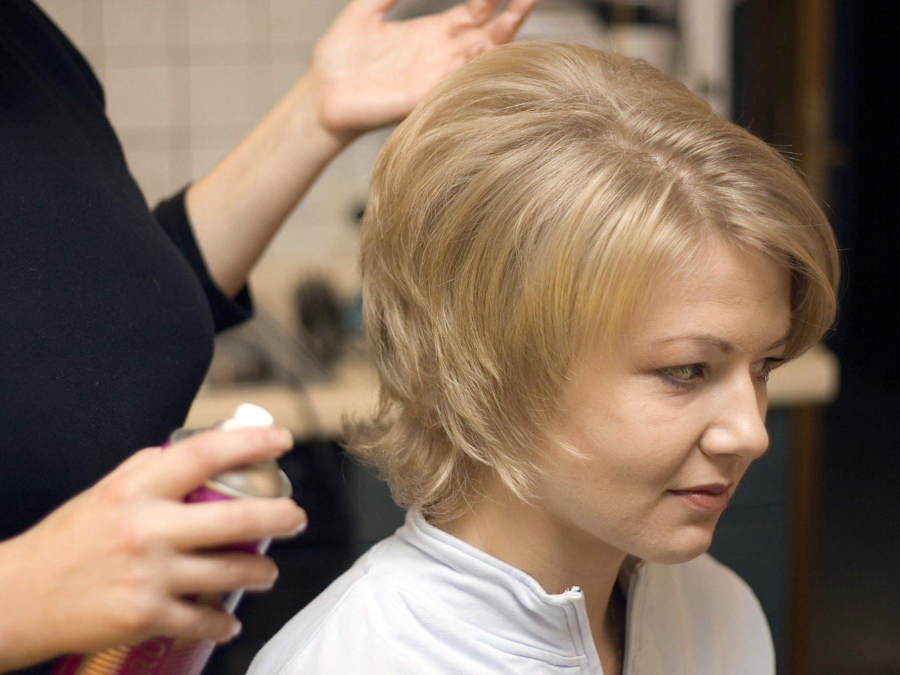 Friseure dürfen sich auf einen dicken Feiertagsbonus freuen.