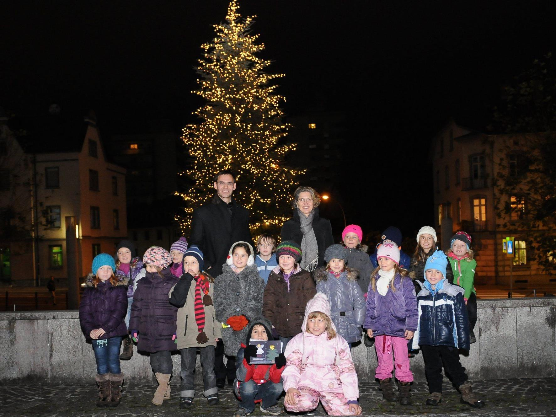 """LSth. Wallner dankte für die stattliche """"Baum-Spende"""" aus Feldkirch"""