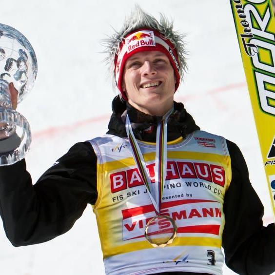 Mit Gesamt-Weltcupsieg, Weltmeistertitel von der Normalschanze und dem Erfolg bei der Vierschanzen-Tournee hat Thomas Morgenstern die heimischen Sportjournalisten überzeugt.