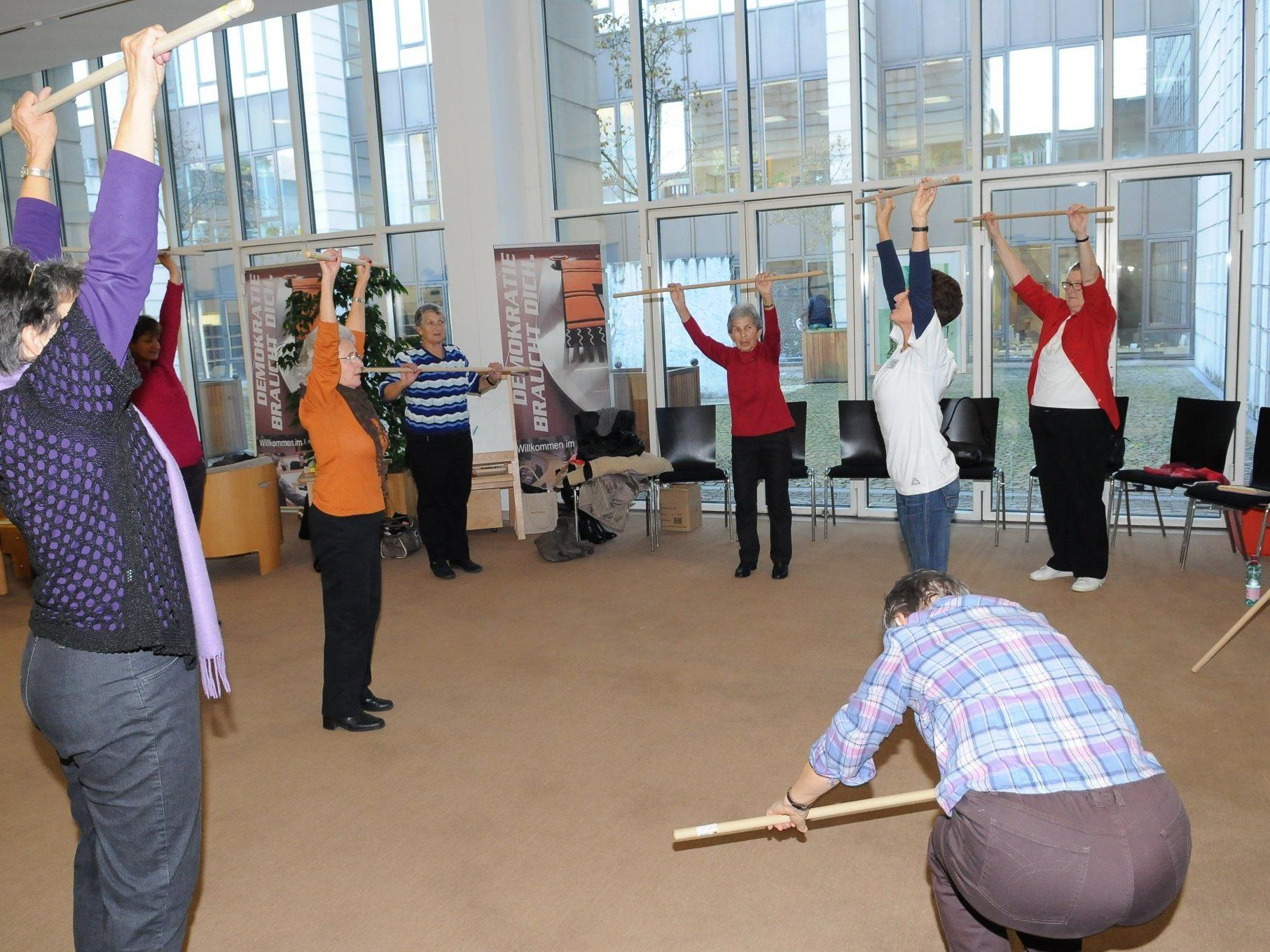 Eröffnung einer Veranstaltung zum Weltosteoporose-Tag im Landhaus.