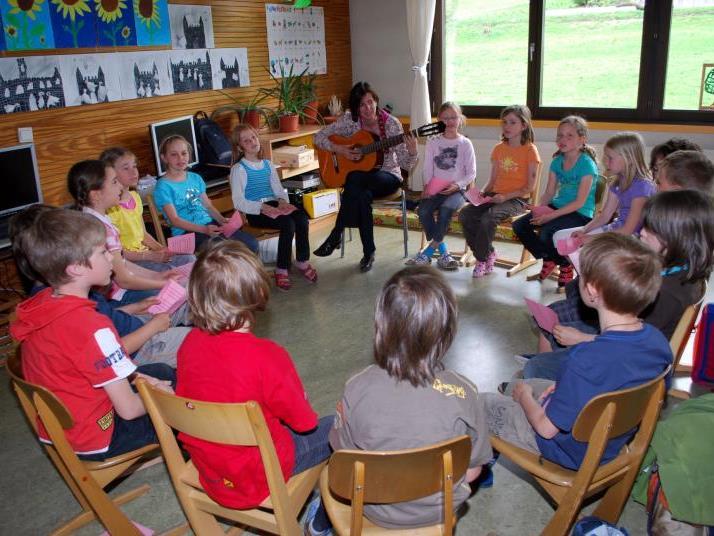 Religionsunterricht an Volksschulen ist großteils jung, weiblich und gut ausgebildet.