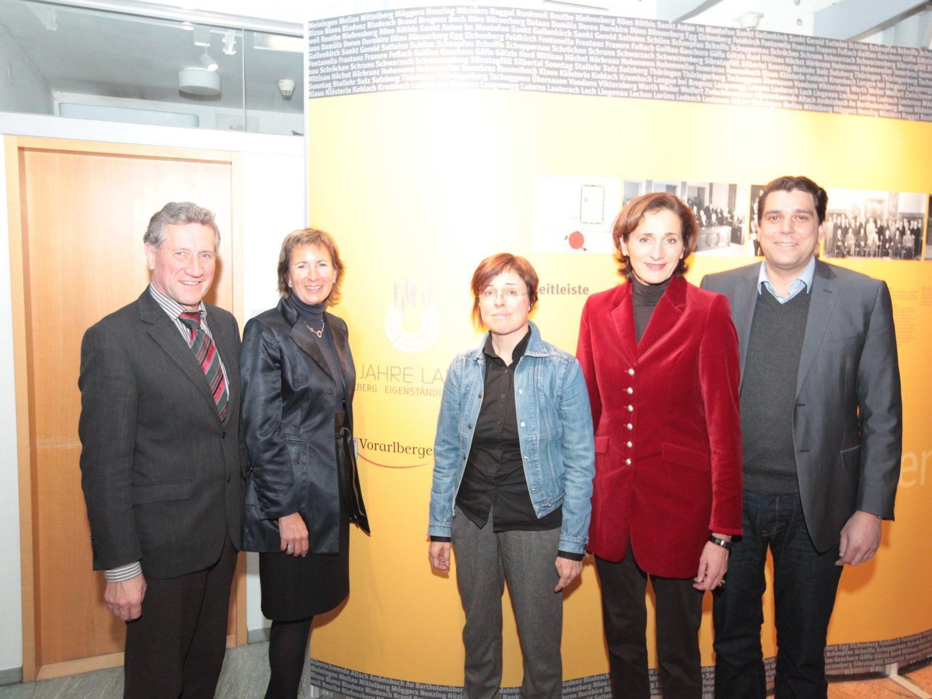 Landesrat Erich Schwärzler, Landtagsvizepräsidentin Gabriele Nußbaumer, Referentin Eva Grabherr, Landtagspräsidentin Bernadette Mennel, Bürgermeister Harald Köhlmeier.