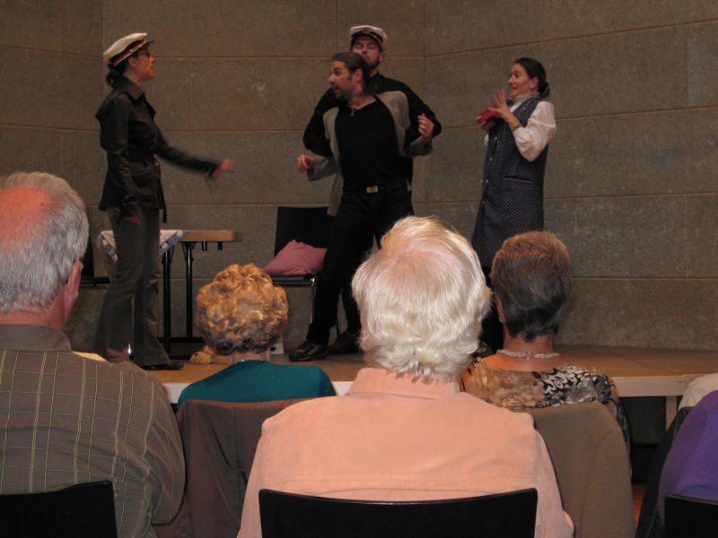 Beim Seniorentheater konnte der Täter des Trickdiebstahls auf frischer Tat gefasst werden.