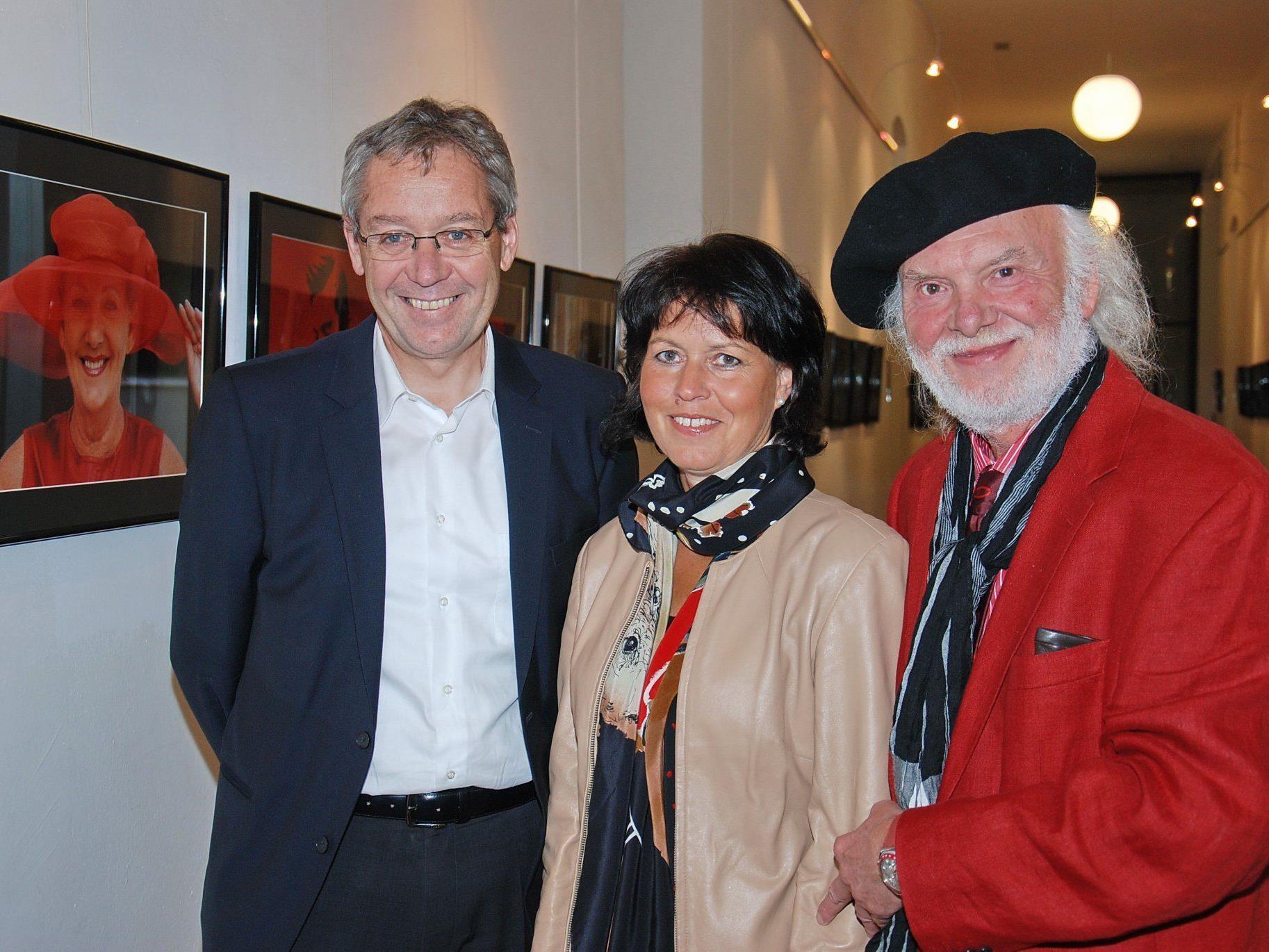 LR Karlheinz Rüdisser mit Sabine Berchtold und Dietmar Wanko.