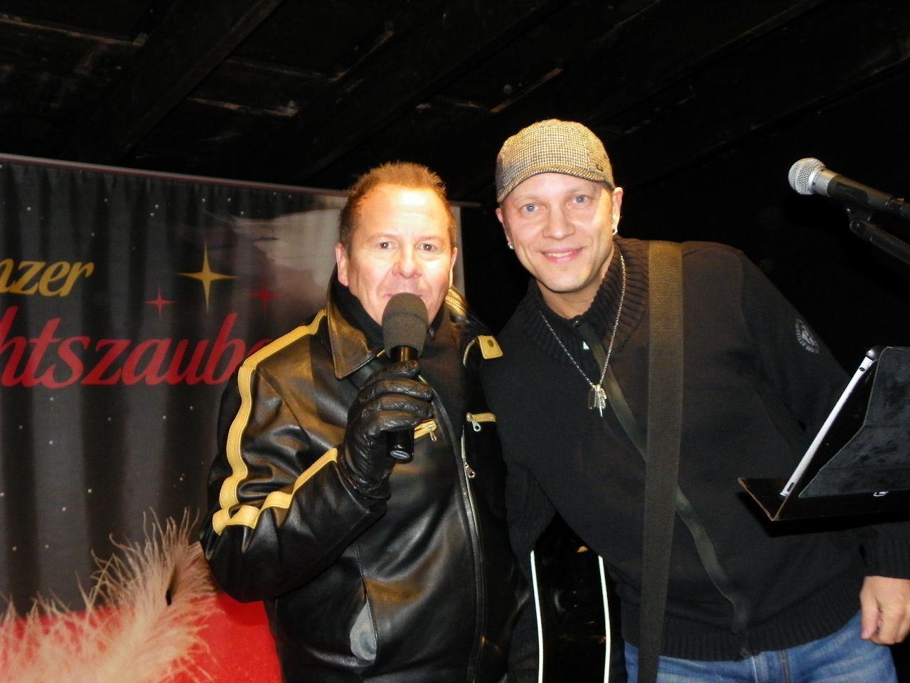 Roberto Kalin begrüßte den Musiker Bruce Cradle beim Weihnachtszauber