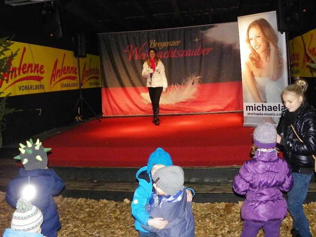 Beschwingte Lieder mit Michaela