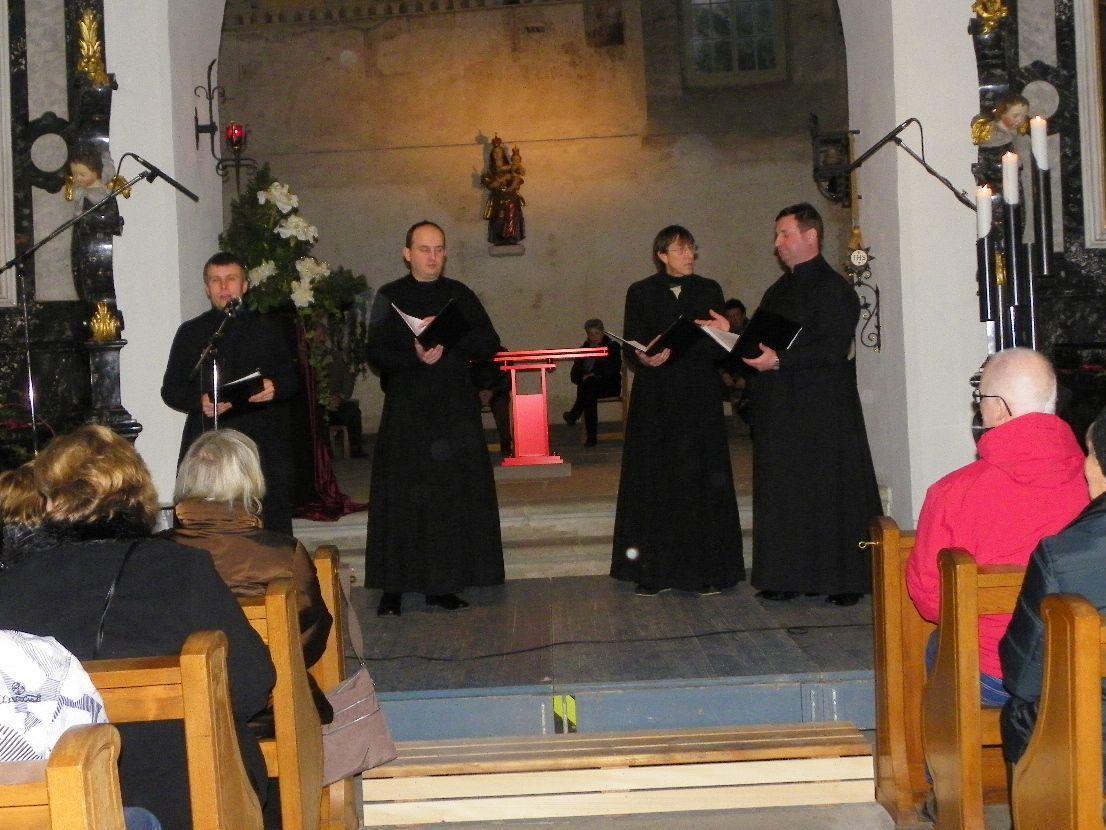 Russiche Weihnachtsmusik lockte zahlreiche Besucher in die Martinskapelle