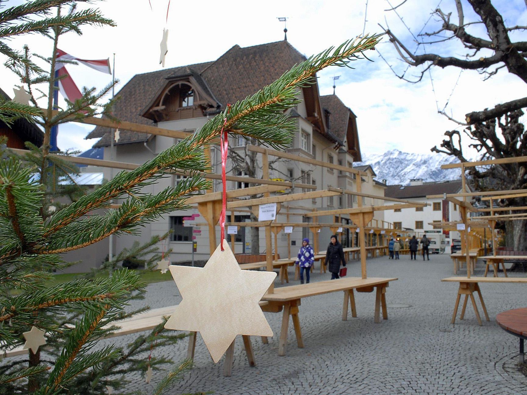 """Schruns erwartet am """"Silbriga Sonntig"""" einen großen Besucherandrang beim Weihnachtsmarkt."""