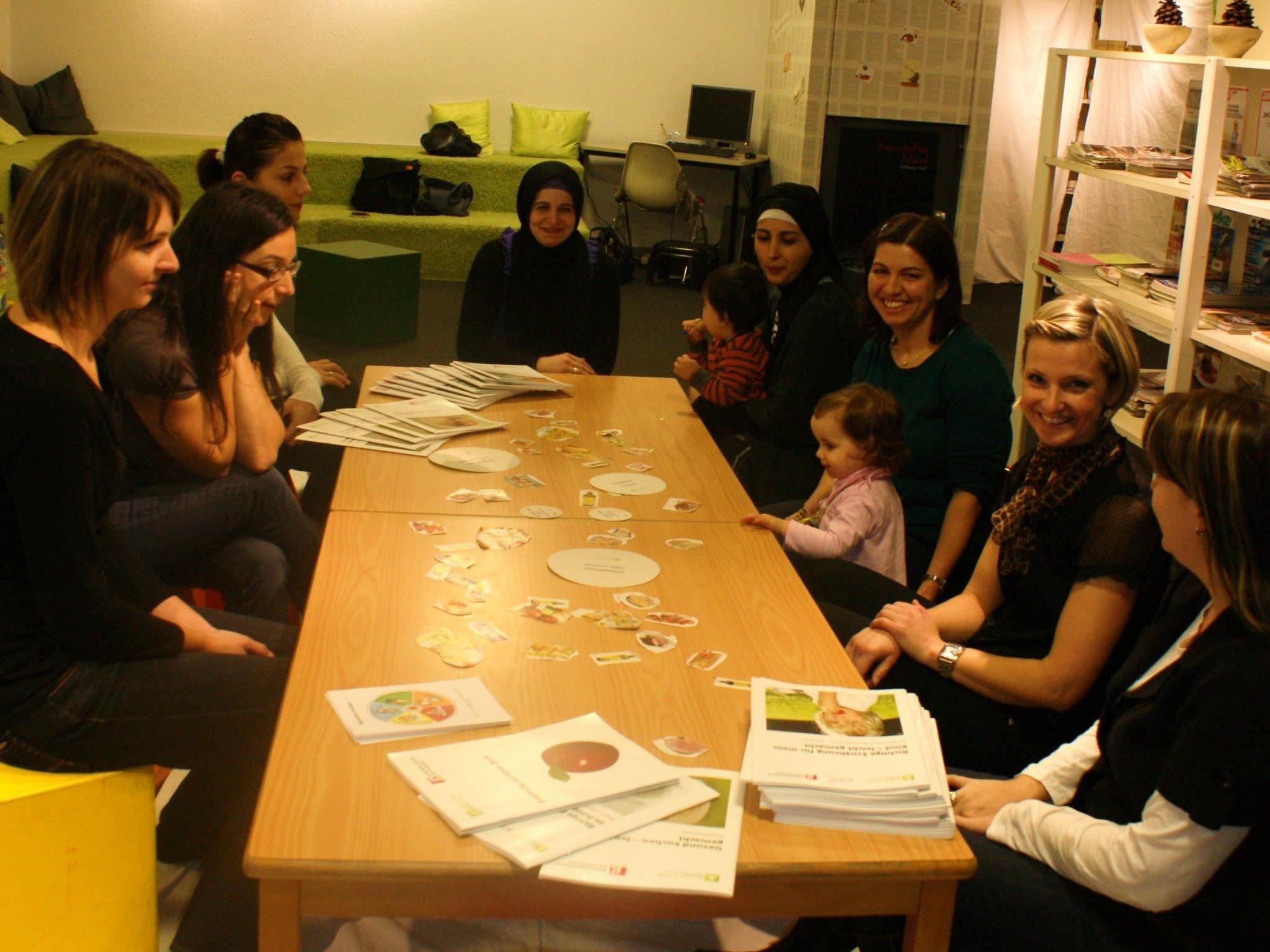 Die Purzelbaumgruppe in der Bibliothek Lustenau