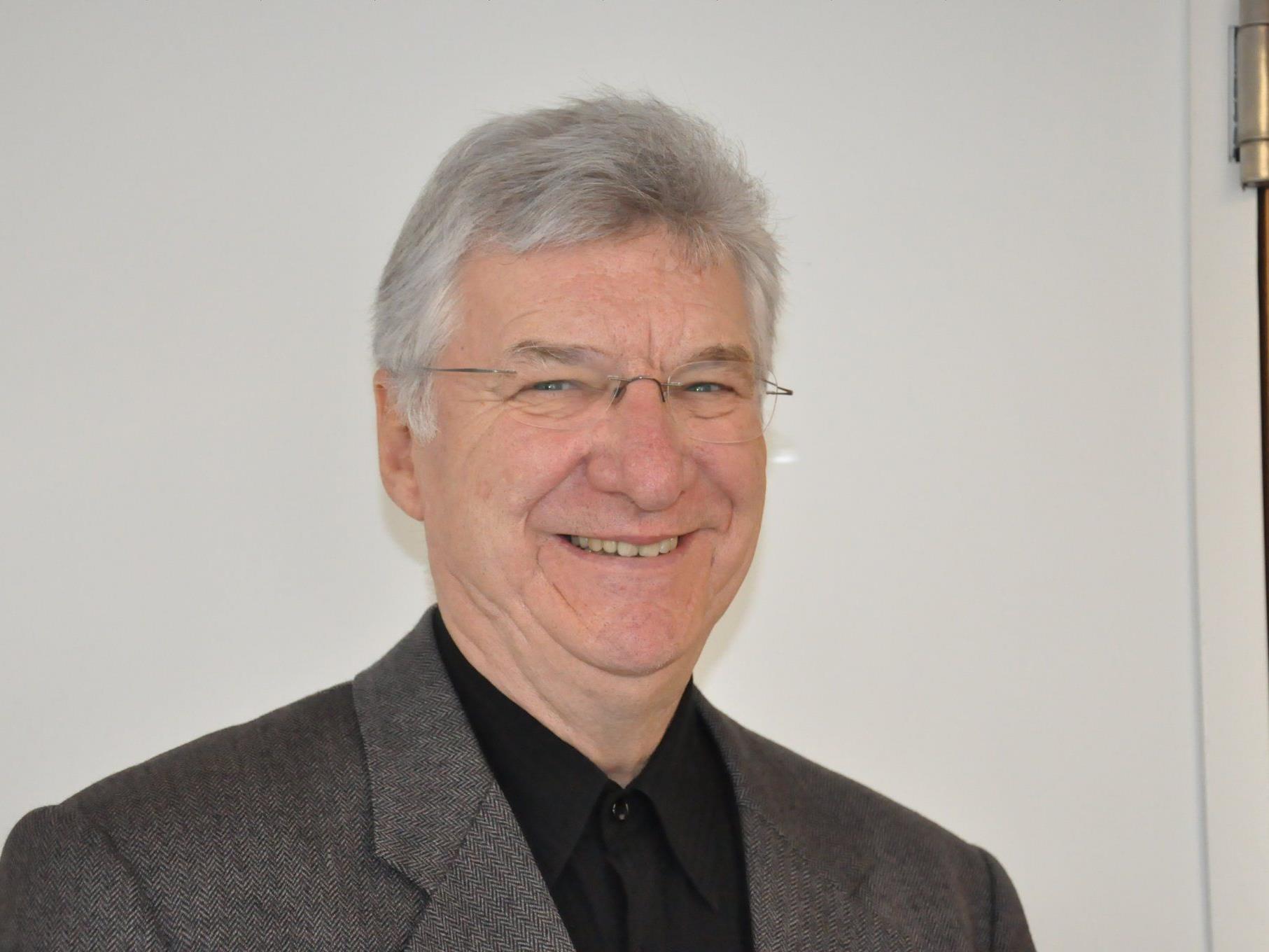 Dompfarrer Rudolf Bischof