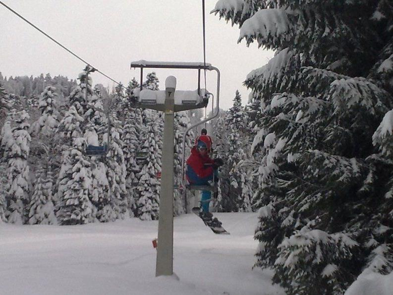 """Auch der Sessellift """"Brüggelekopf"""" startet am Freitag in die Wintersaison."""