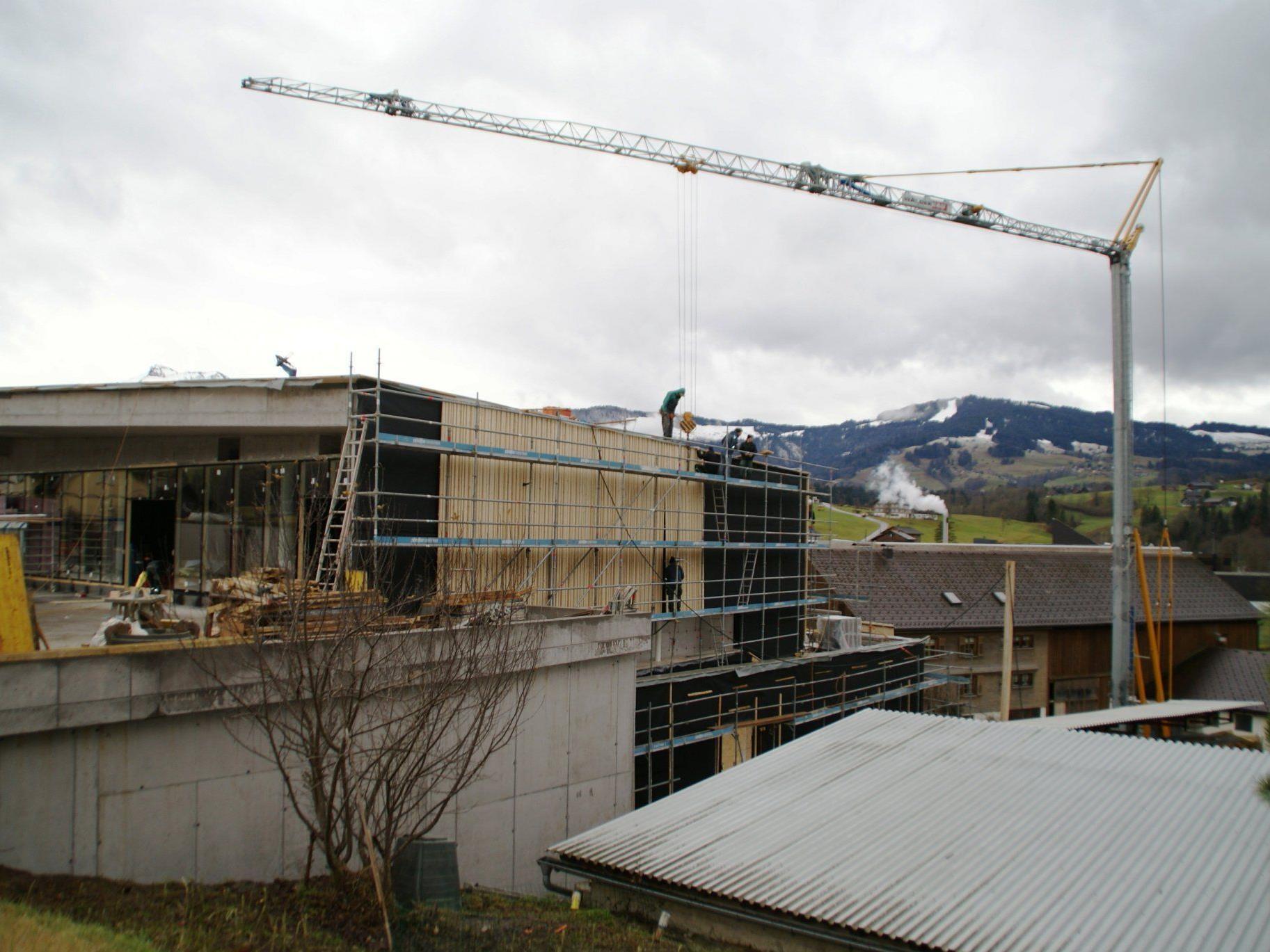 Das gute Wetter der vergangenen Monate begünstigten die Bauarbeiten beim neuen Einkaufszentrum.