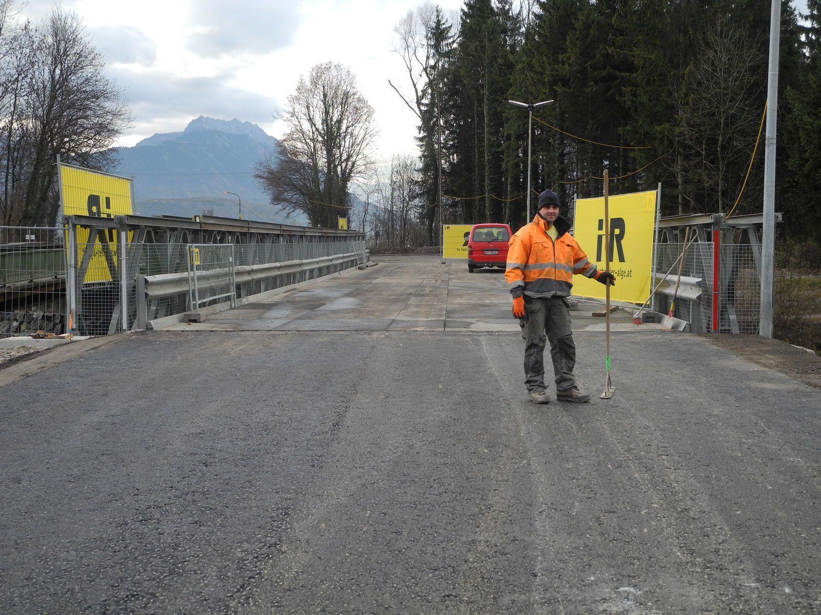 Die Eröffnung der Behelfsbrücke über die Frutz steht unmittelbar bevor