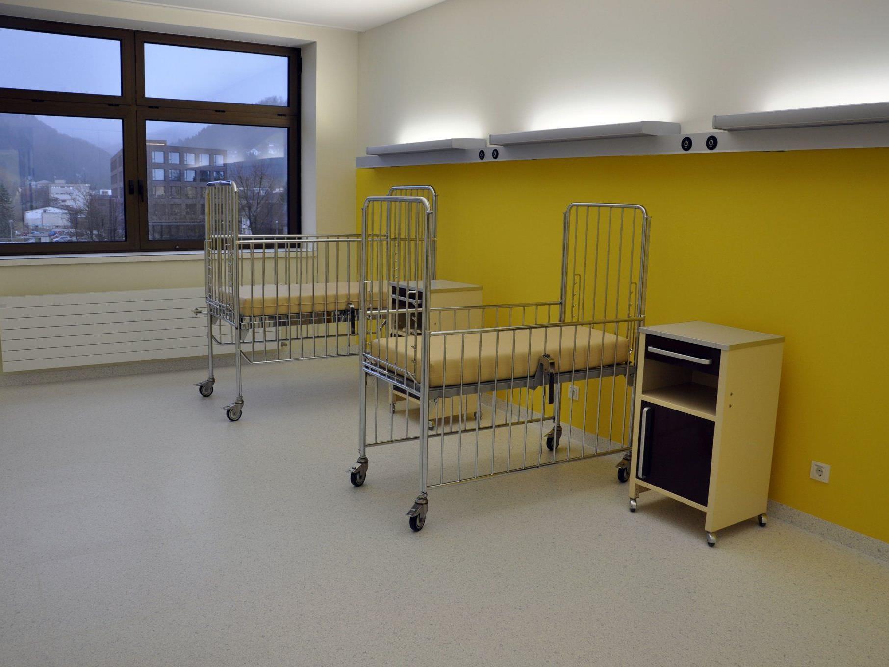 """Sechs neue Patientenzimmer wurden auf der """"Pädiatrie 2"""" eingerichtet."""