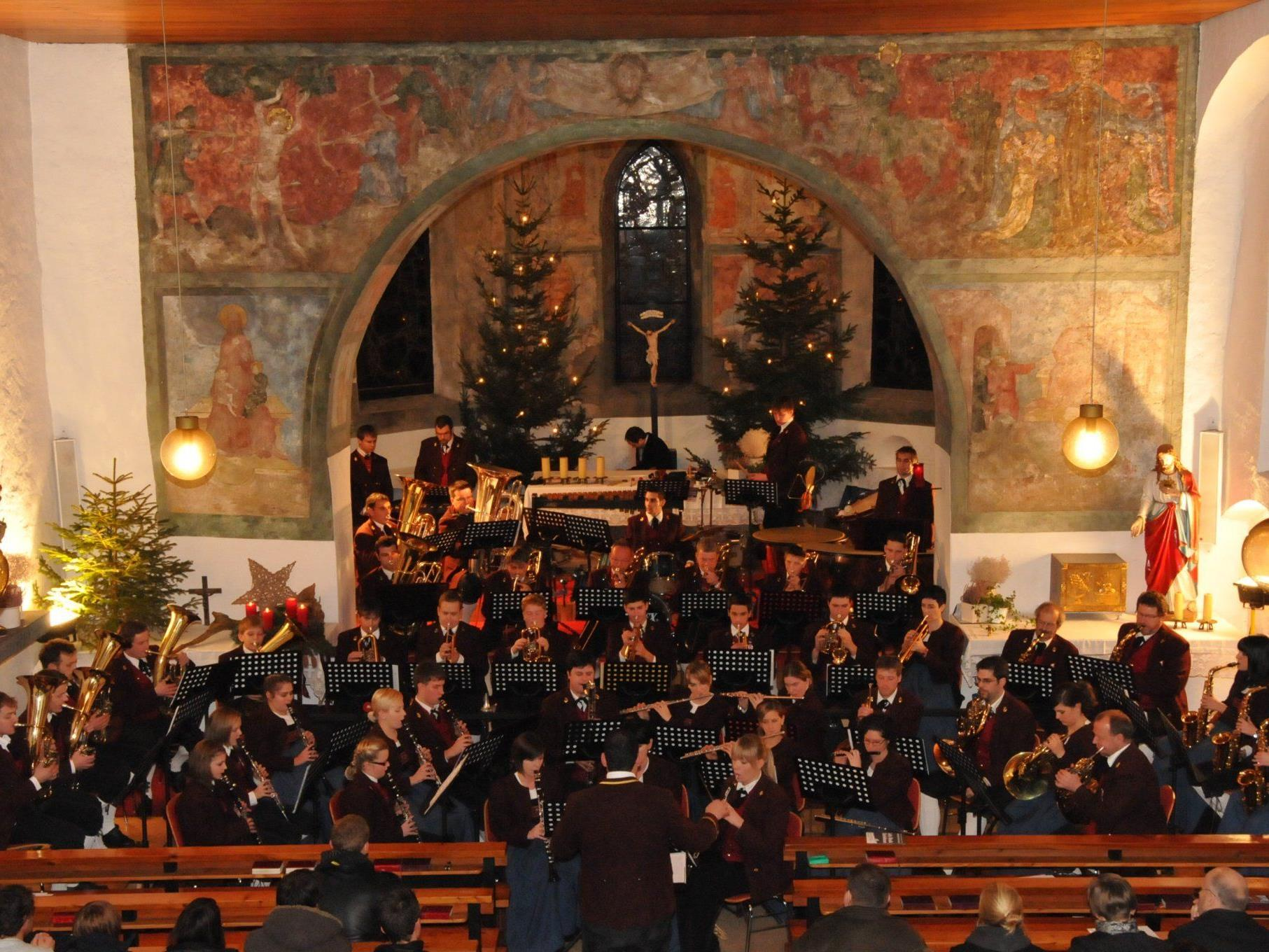 Reuthinger Musikanten begeistern beim Weihnachtskonzert
