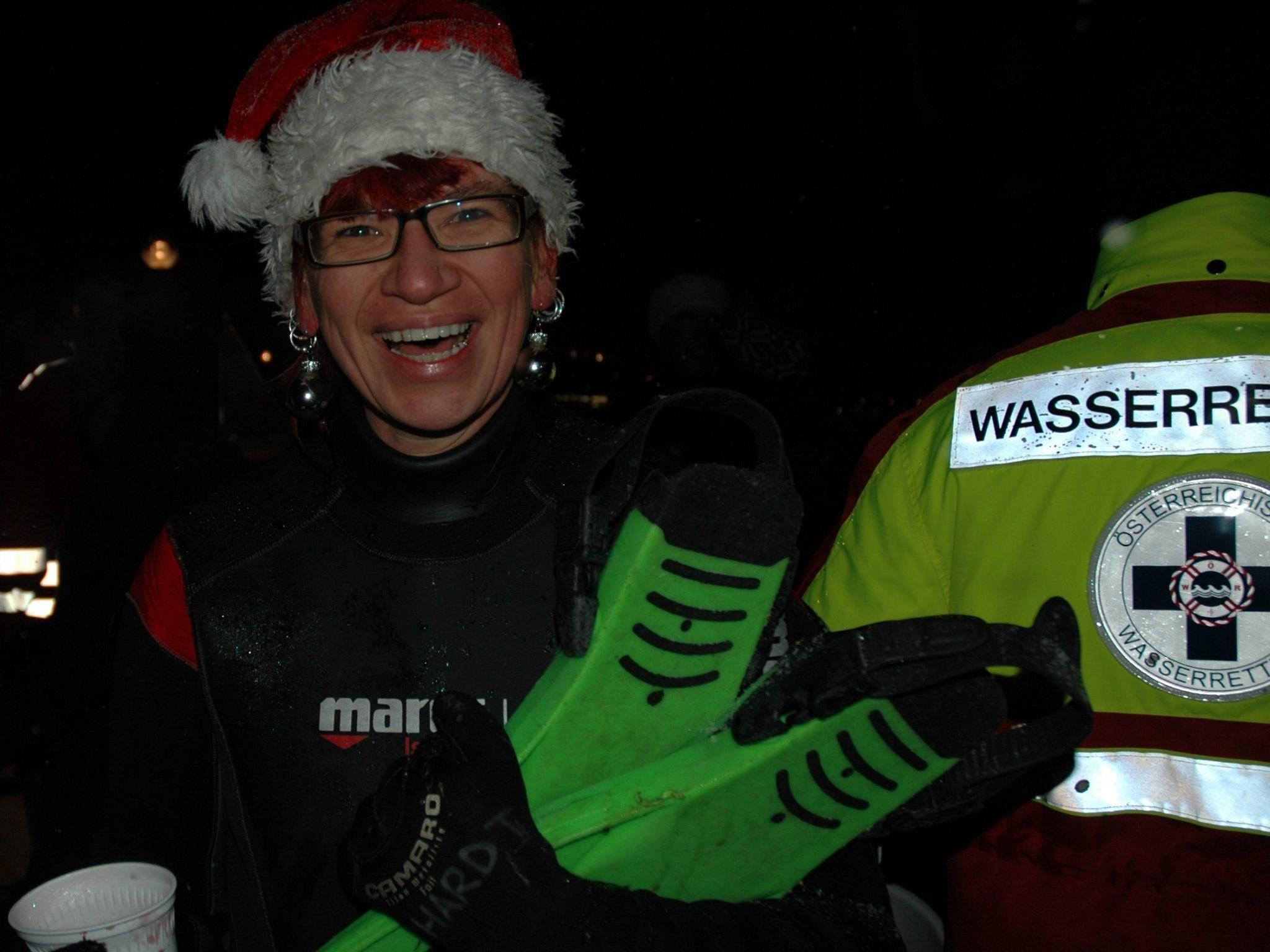 Taucher aus ganz Vorarlberg treffen sich zum Weihnachtstauchen