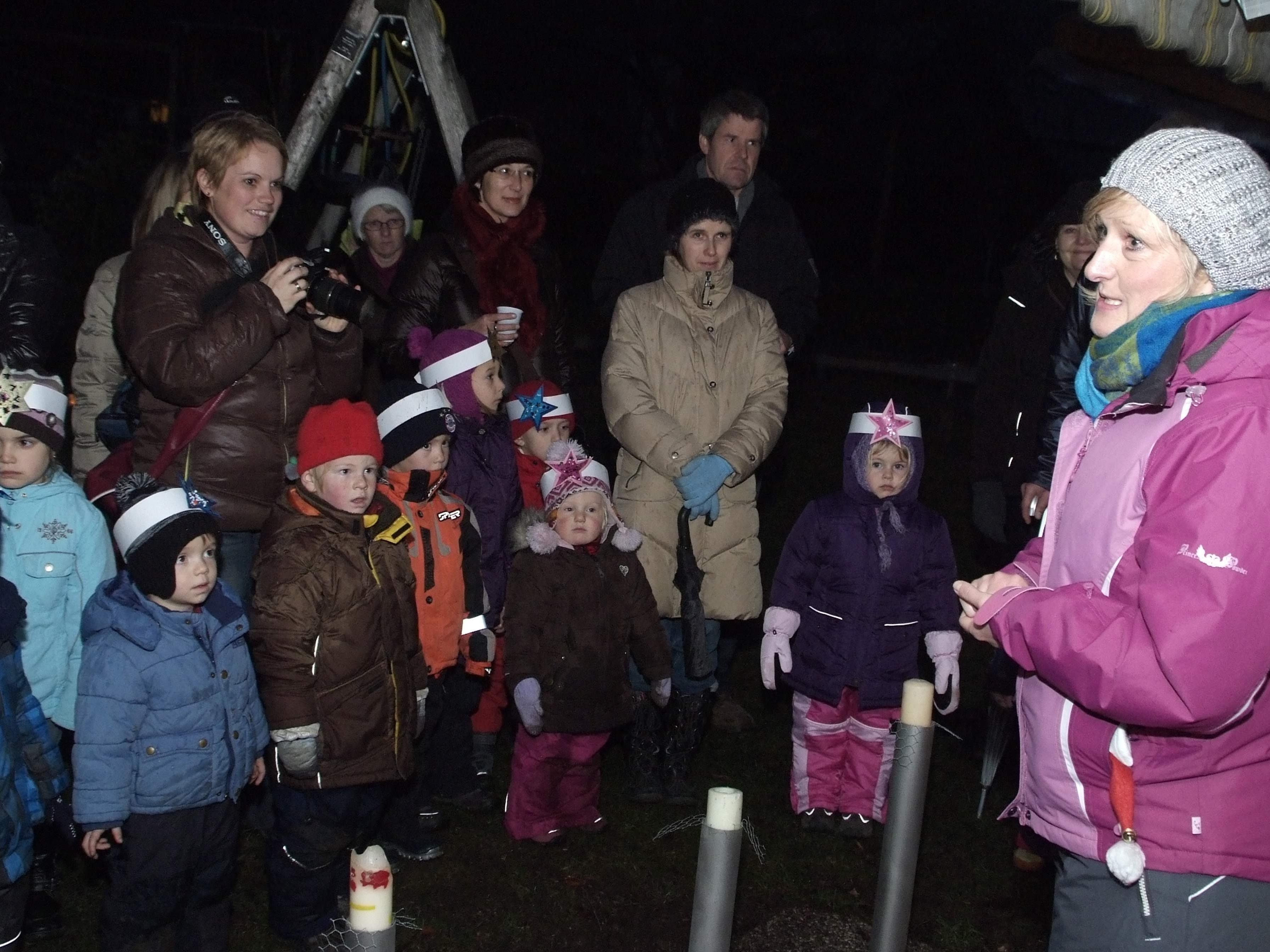"""Vorweihnachtliche Stimmung gab es beim """"Schnäggahüsle""""-Lichterfest."""