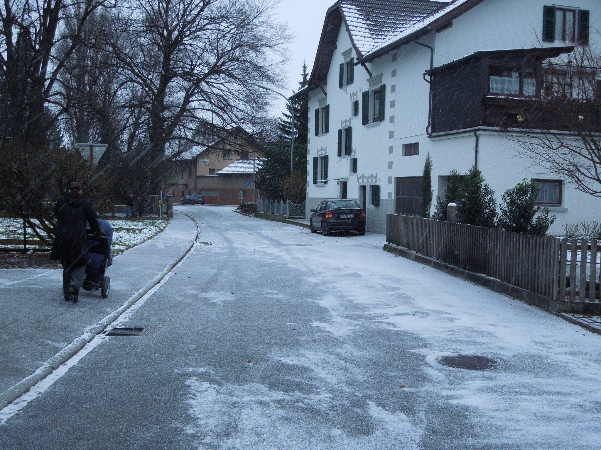 Rudi Petnig schlägt vor, das Straßenstück hinter dem Schuhhaus Günter zur Einbahn zu machen.