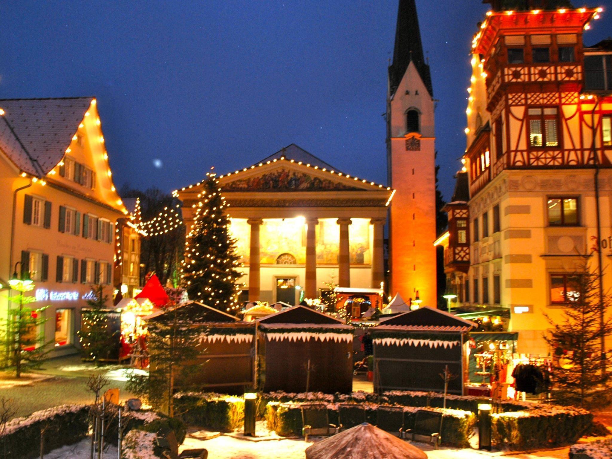 Schnee sei Dank: Endlich herrscht auf dem Dornbirner Christkindlemarkt richtig weihnachtliche Stimmung!