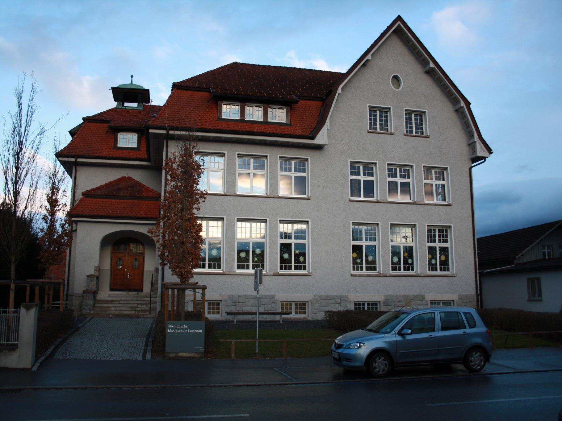 Die Rheintalische Musikschule ist eine wichtige Institution im Kulturbereich Lustenaus.