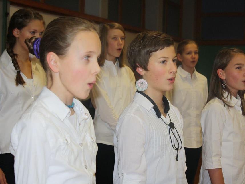 Die Musikhauptschüler begeisterten mit ihrem Gesang.