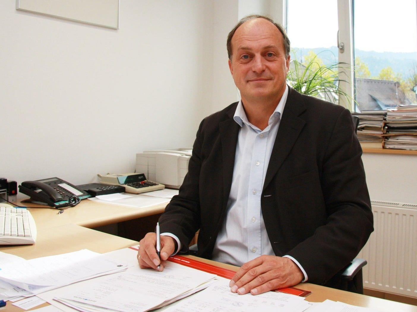 Bürgermeister Karl Hehle blickt optimistisch in die Zukunft.
