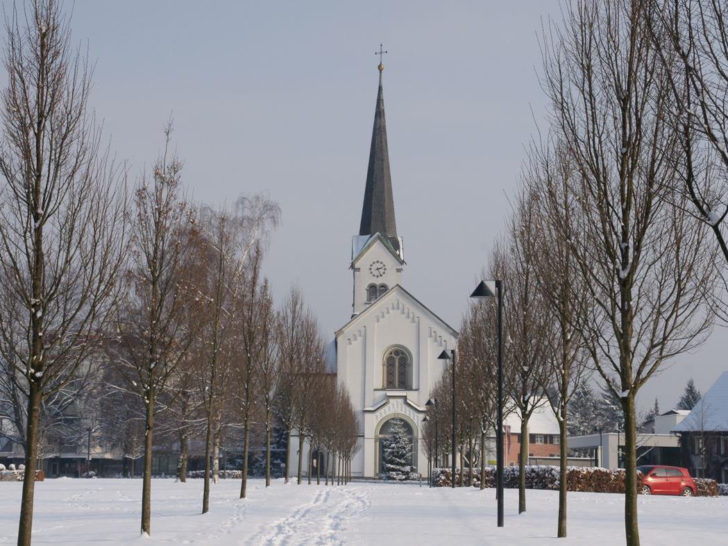 Am 24.12. kann das Friedenslicht ab 9 Uhr in der Pfarrkirche geholt werden.