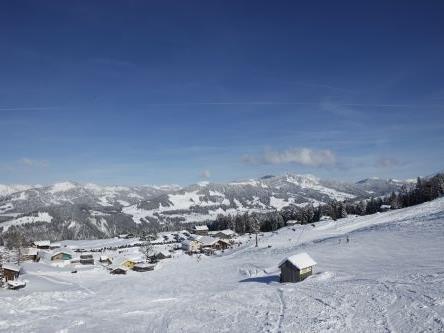 Auf solche Aussichten hoffen die Betreiber der Skilifte in Schetteregg