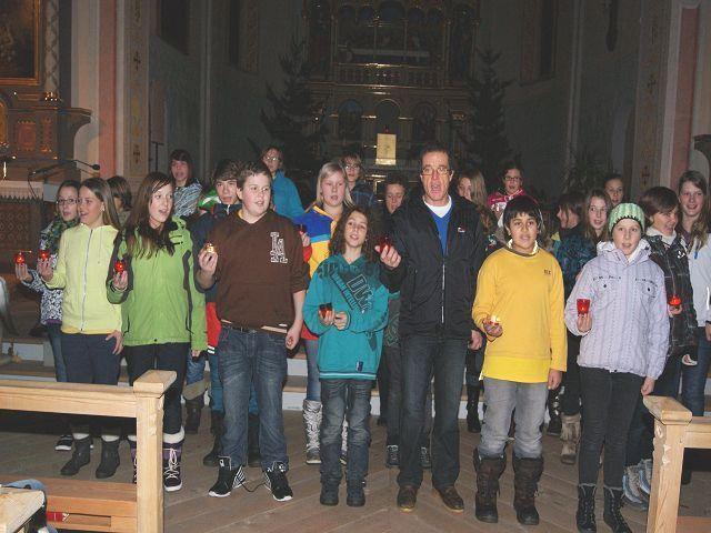 Chorgesang mit Musiklehrer Christian Lasser.