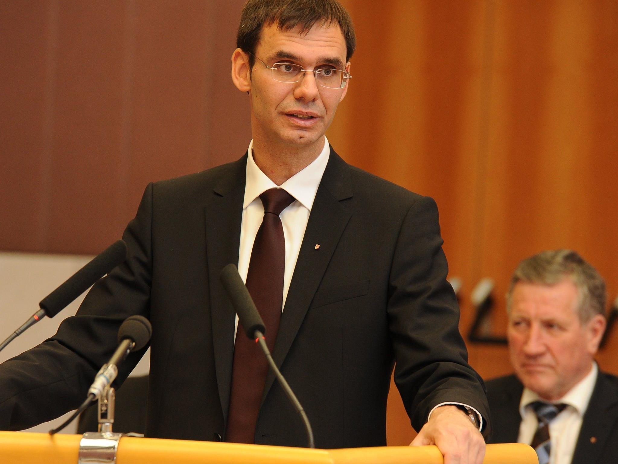 LH Markus Wallner erläuterte vor dem Vorarlberger Landtag die wesentlichen Schwerpunkte der Regierungsarbeit.