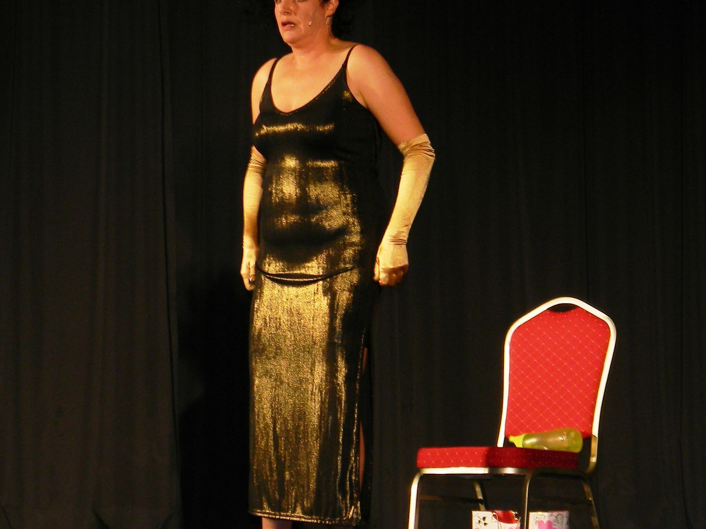 """Maria Neuschmid gastierte mit """"Zucker"""" auf der Kulturbühne in Schruns."""