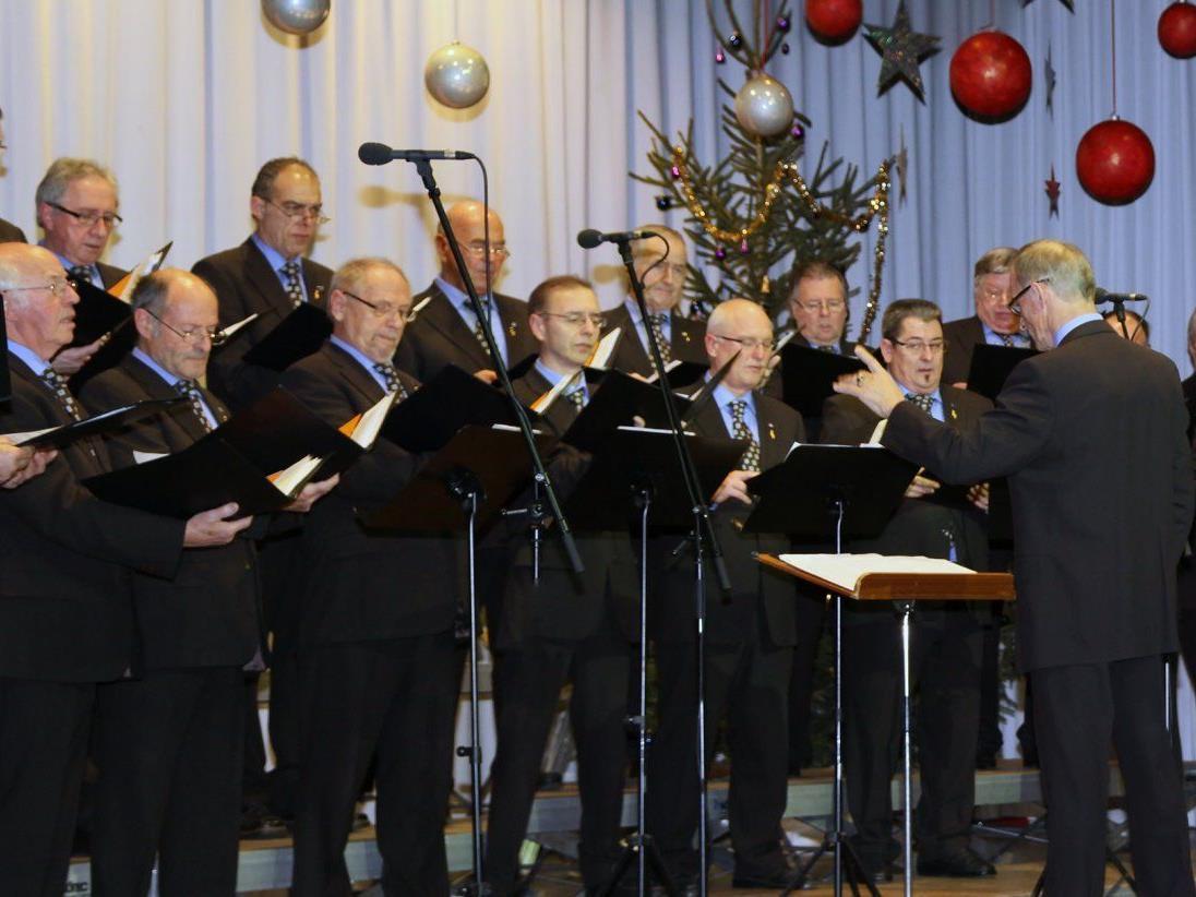 Mänerchor Muntlix gab das traditionelle Konzert an Weihnachten vor vollem Haus.
