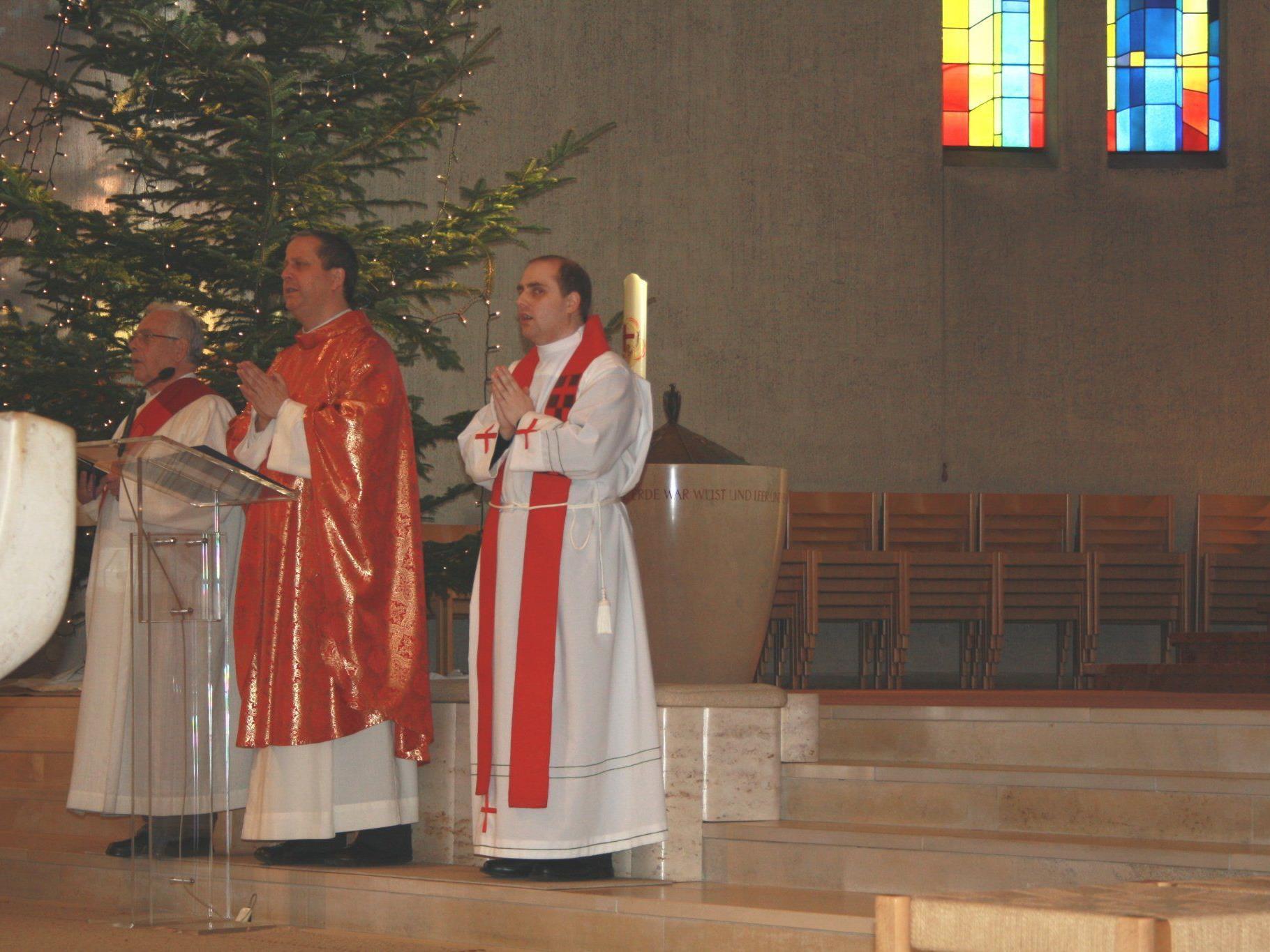 Pfarrer Thomas Sauter zelebrierte den Gottesdienst den der MV Concordia musikalisch umrahmte.