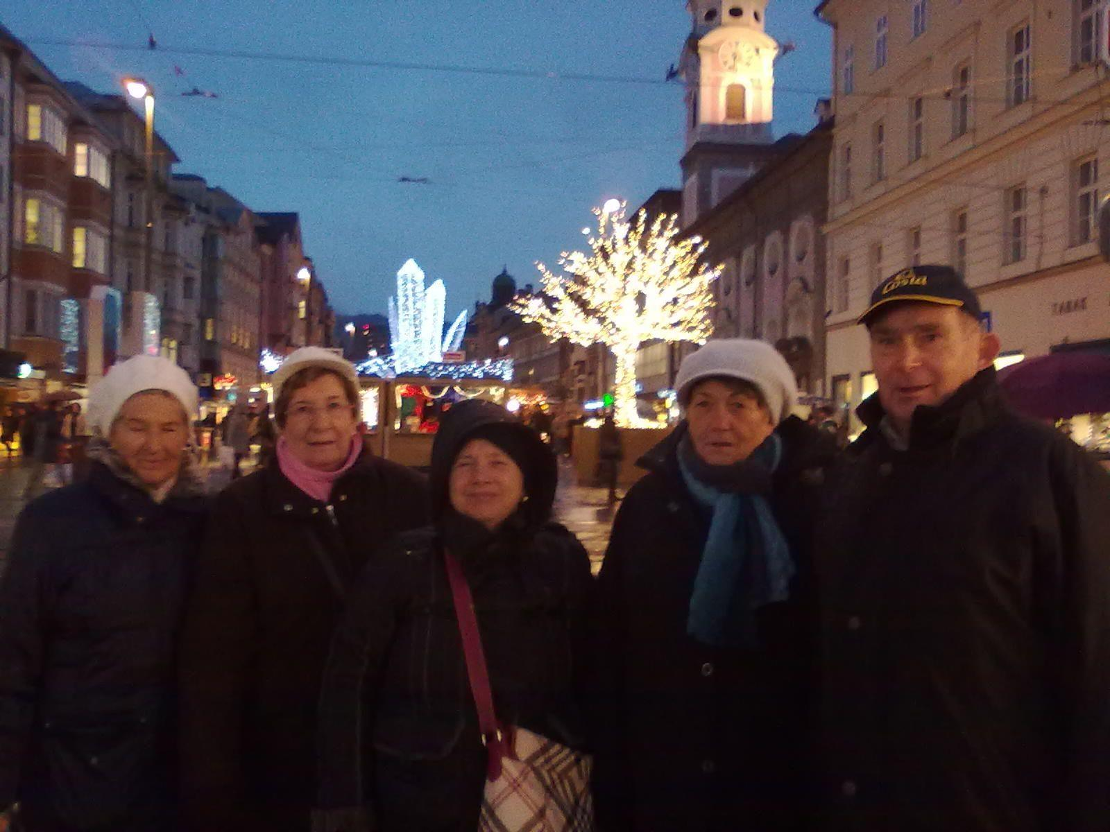 Beim Weihnachtsmarkt in Innsbruck