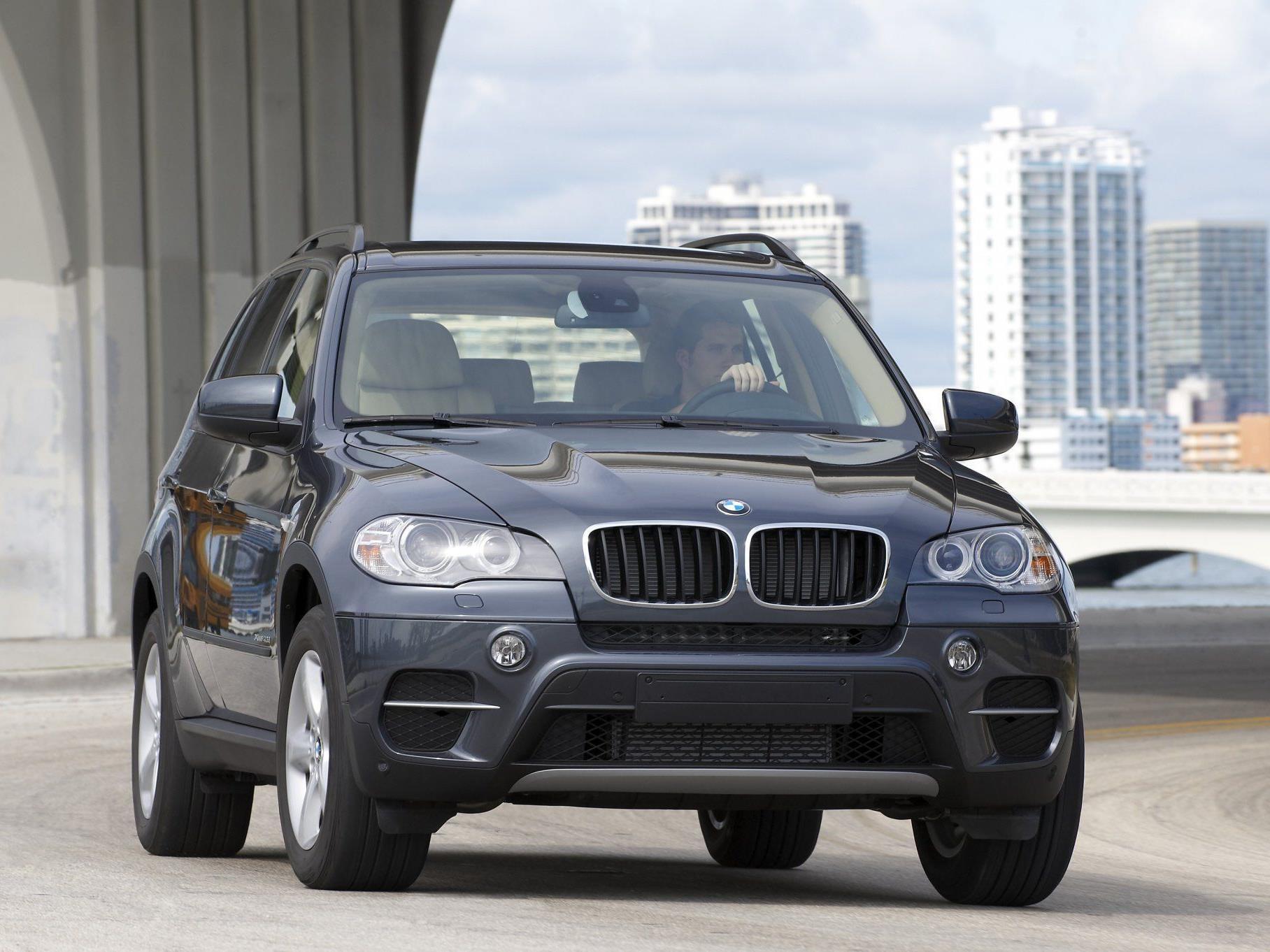 Ein BMW X5 wurde in der Schweiz gestohlen und bei Bludenz sichergestellt.