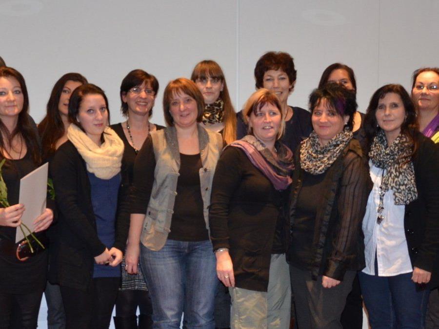 Seit 2008 hat die connexia 170 Frauen und Männer zu Heimhilfen ausgebildet.