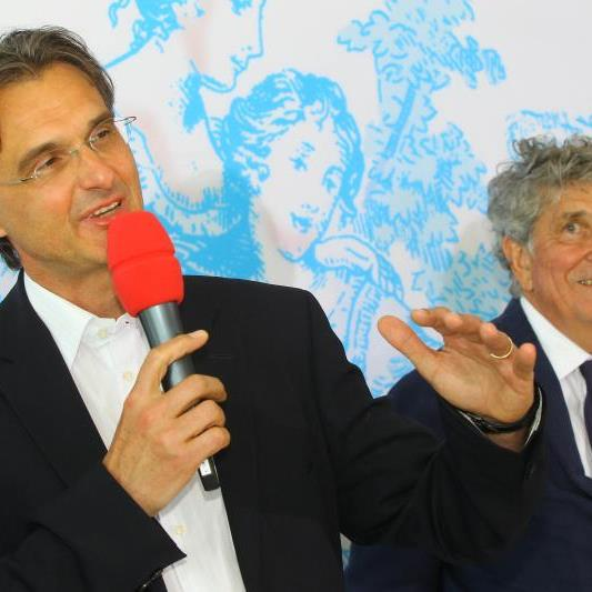 Roland Geyer mit Günter Rhomberg als im Mai dieses Jahres bei seiner Bestellung zum nächsten Festspielintendanten alles noch gut aussah.