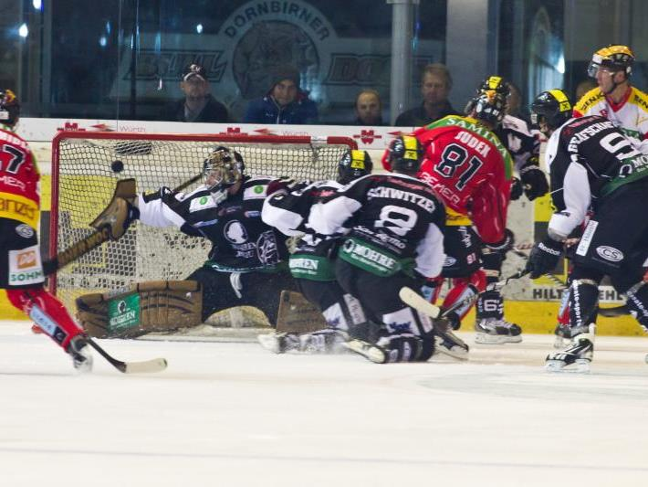Offensives Eishockey wollen die VEU und Dornbirn im Derby zeigen – da wartet viel Arbeit auf die Torhüter.