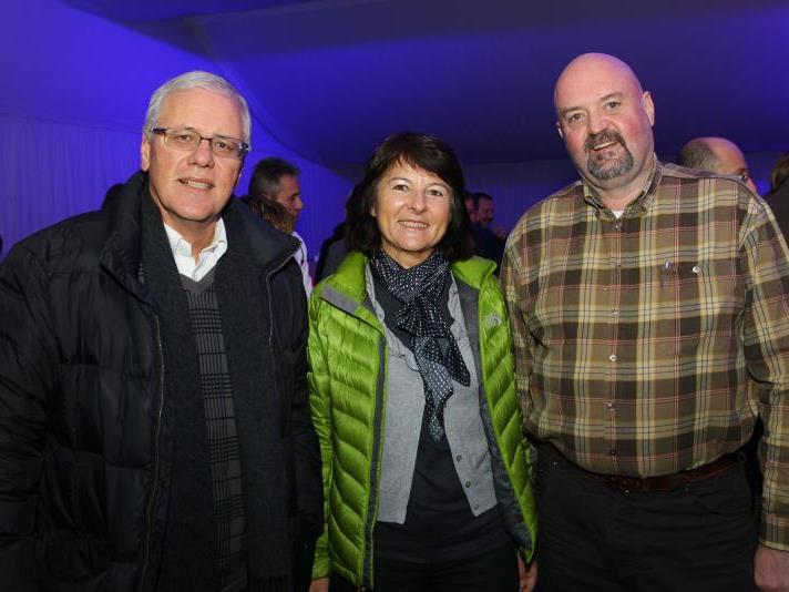 Fachgruppenobmann der Seilbahnen Wolfgang Beck mit Monika sowie Michael Doppelmayr (v.l.).