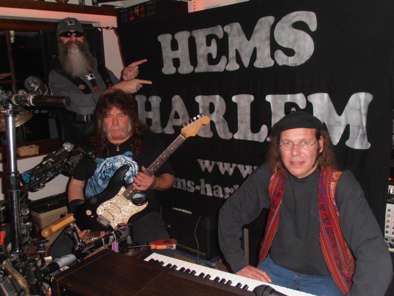 """Wolfgang Hartl alias """"Langa"""" stellte zu einem etwas anderen Adventkonzert """"Hems Harlem"""" vor."""