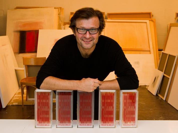 Der Bregenzer Künstler Marbot Fritsch hat wieder die Sieger-Trophäen gefertigt.