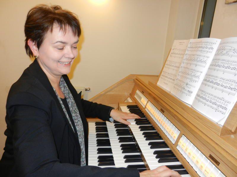 Abgesehen vom Urlaub ist die Organistin Gerda Poppa jeden Sonntag im Dienst.