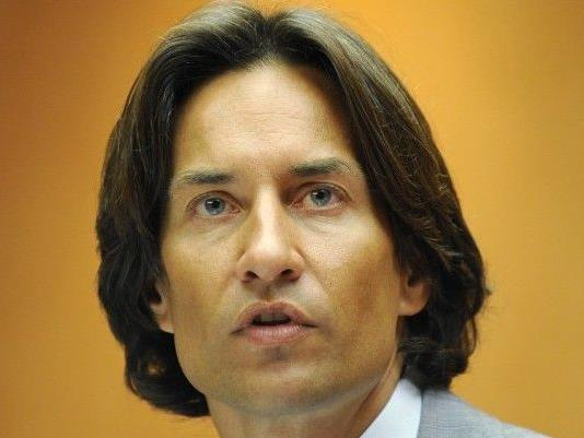 Karl-Heinz Grasser, hier auf einem Archivbild vom 01. Juli 2008 bei einer Pressekonferenz in Wien.