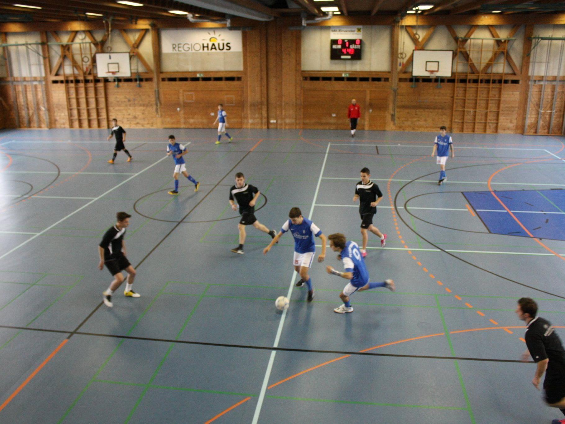 Fußballspielen gegen Rassismus!